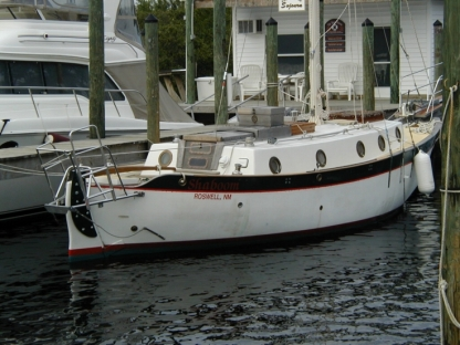 On March 2, 2003, Shabby was launched with little fanfare (and dangling new rigging) in Tarpon Springs, FL. Good news was she didn't sink, bad news was I now needed to actually finish stuff...